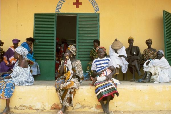 Consultation au poste de santé de Toucar au Sénégal.